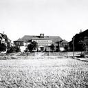 Noch steht die Schule auf der grünen Wiese, ca. 1930, Quelle: Stadtarchiv Weimar, 60 10-05/33